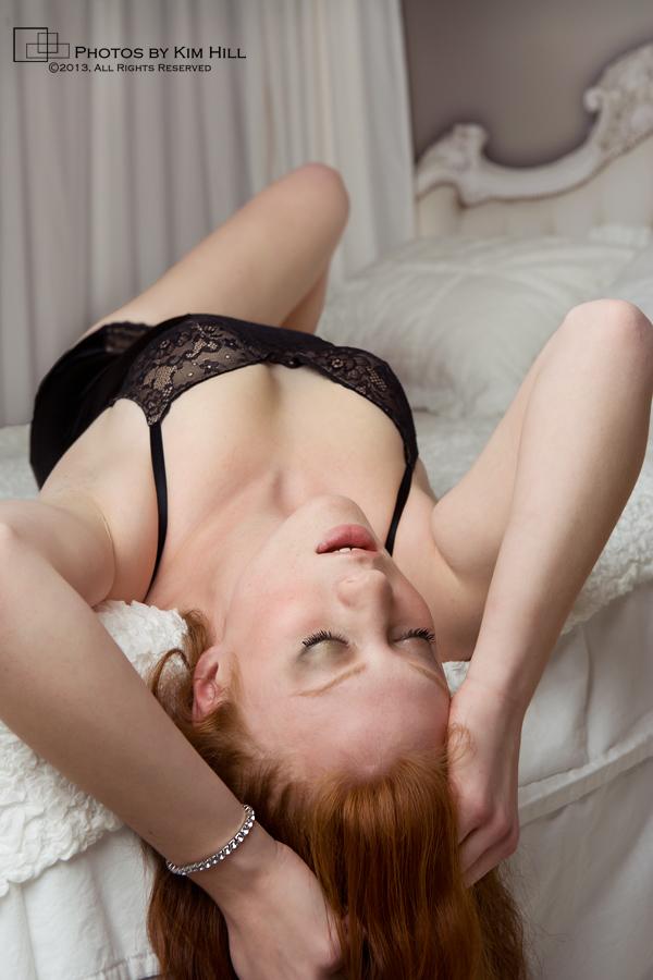 boudoir passion pose